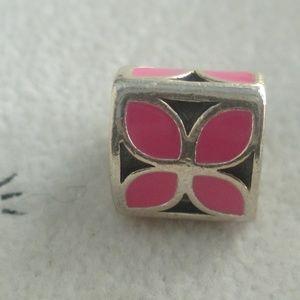PANDORA pink  Petals FLOWER ENAMEL 790437EN